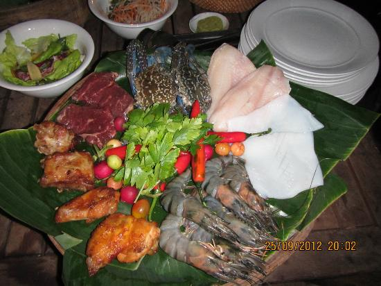 An Lam Ninh Van Bay Villas: in-villa BBQ dinner, surf n turf