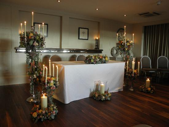 Great John Street Hotel: The beautiful wedding table where ceremony took place (inside of the Playground, top floor)