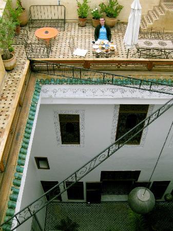 Riad 53: Frühstück auf der Dachterrasse - ein Traum.