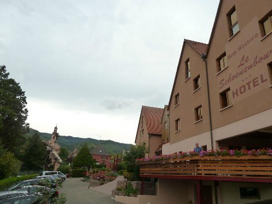 BEST WESTERN Hotel le Schoenenbourg: hotel terrace