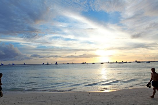 Friday's Boracay: Just Wonderfull sunset from Fridays Beach