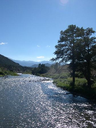 Sweetwater River Ranch: Escape, Relax, Renew!
