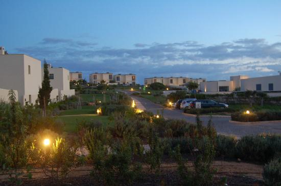 Martinhal Sagres Beach Resort & Hotel: A view at night with the lights around the grounds