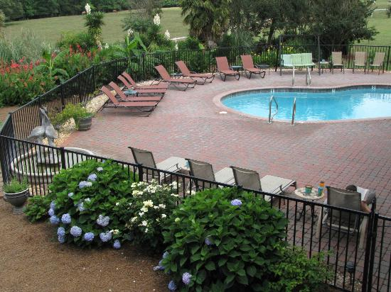 Southern Cross Ranch: Beautiful and clean pool area