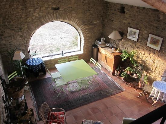 Le Mas Des Ozieres: La sala delle colazioni!