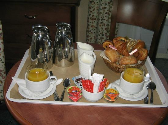 Le Grand Hôtel : Petit déjeuner en chambre