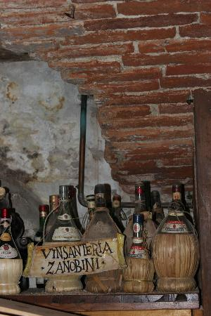 Florence for Foodies : cellar with history