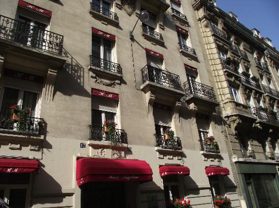 Hotel Magellan: Le devant de l`` Hôtel