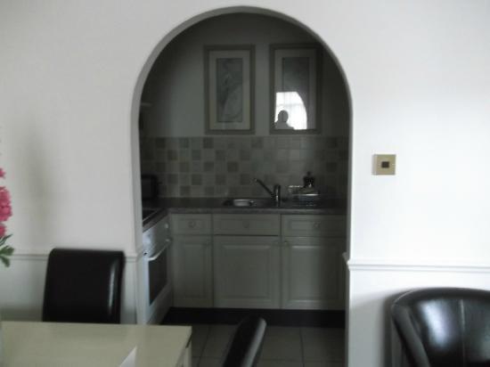 Collingham Serviced Apartments: Kitchen