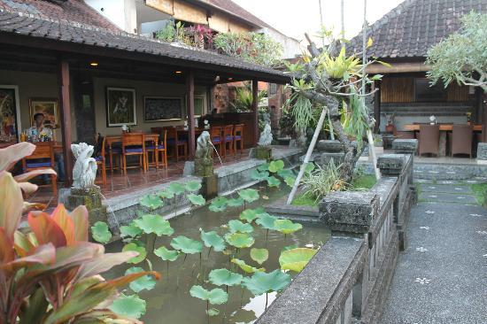 Bebek Tepi Sawah Villas & Spa: restaurant de l'hotel