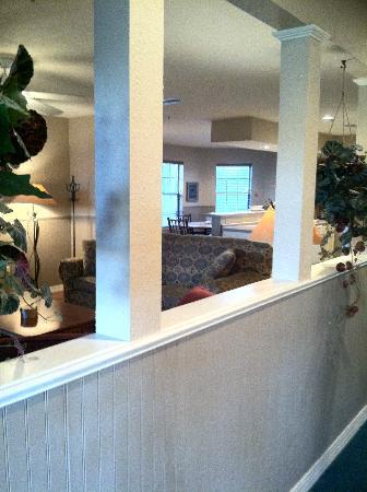 Silverleaf Holiday Hills Resort: Hallway looking into living room