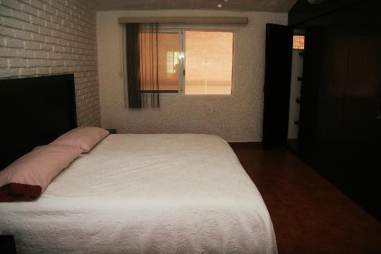 Villa Serena Vacation Rentals: Masterbedroom