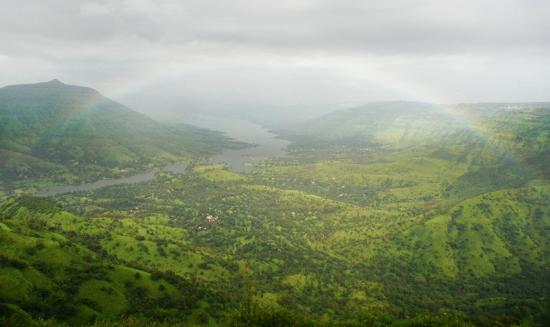 Mahabaleshwar Hill Station: Rainbow over the Dhom backwaters
