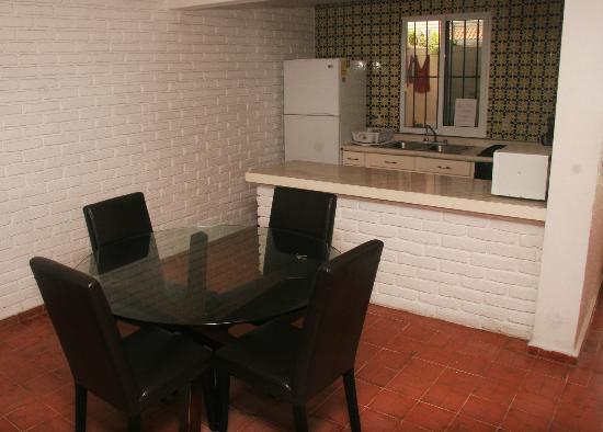 Villa Serena Vacation Rentals: Dining area and kitchen