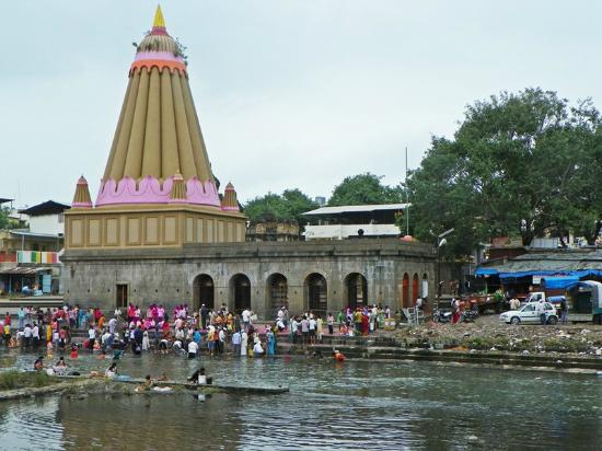 Mahabaleshwar Hill Station: Wai temple