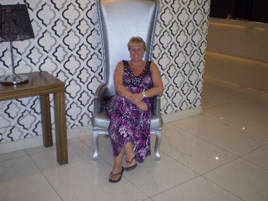 Silver Sands Beach Hotel: Sat in the Lobby