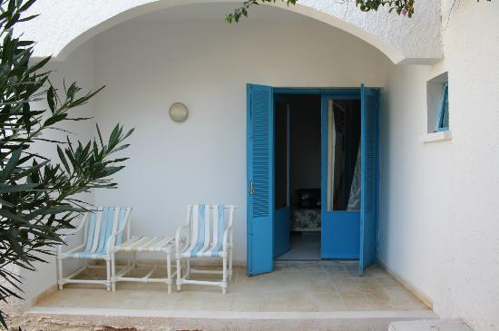 Sangho Village Djerba: La chambre, vue du jardin