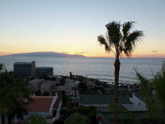 Ska Diamond Apartaments : view from the balcony at night