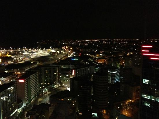 Auckland Harbour Oaks: View by Night