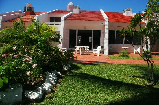 Villa Serena Vacation Rentals: View from the garden area