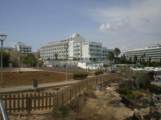Tsokkos Silver Sands Beach Hotel: View of the Hotel