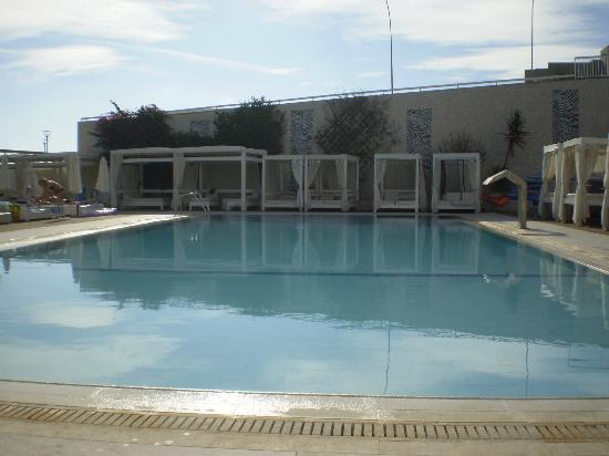 Silver Sands Beach Hotel: Pool