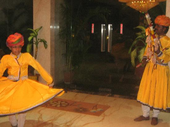 Hotel Taj Resorts: accueil en musique le soir