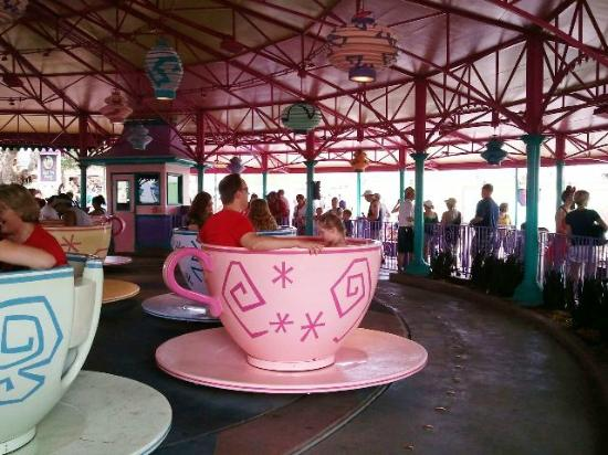 Magic Kingdom Park: Mad Tea Party Ride