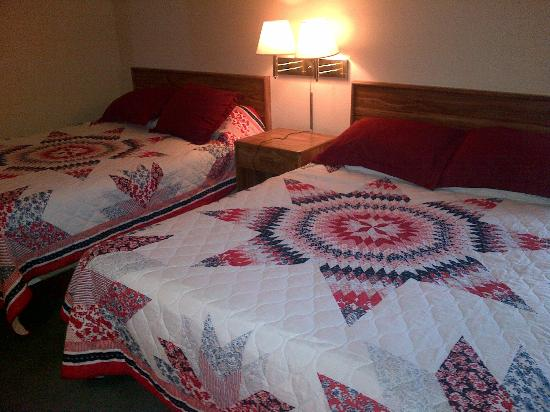 Buffalo Lodge Inn and Grill: Double Room