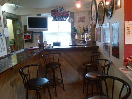 Buffalo Lodge Inn and Grill: Our Big Buffalo Bar!!!
