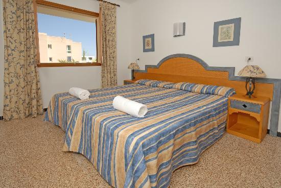 Ses Casas de Cala Ferrera : Bedroom