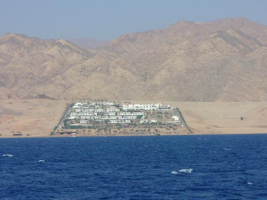 Ecotel Dahab Bay View Resort: hotel from the sea