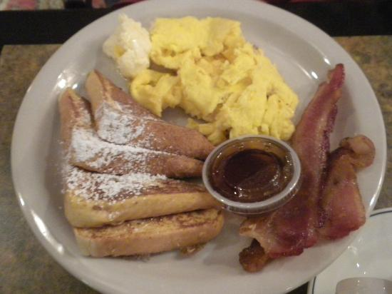 BEST WESTERN PLUS Heritage Inn: M-F a complimentary breakfast can be ordered from a menu