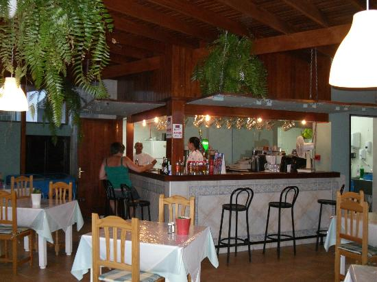 Apartamentos Guacimeta Lanzarote: Pool Bar/Restaurant