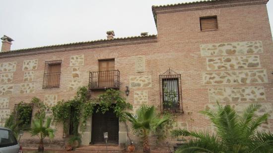 Casa Rural Rincon de la Fuente: front of bldg