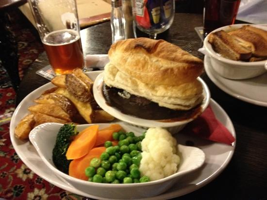 """Foto: """"Steak and ale pie! I thought it was amazing, then I tried the ..."""