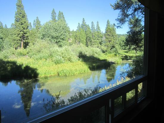 Crater Lake Resort: Creekside - and then some