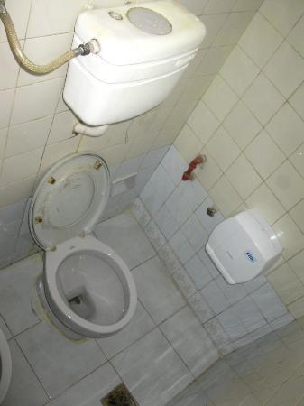 """Hotel Majo""""s: Baño, inhodoro"""
