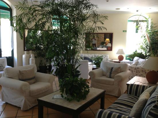 Loule Jardim Hotel: sitting area
