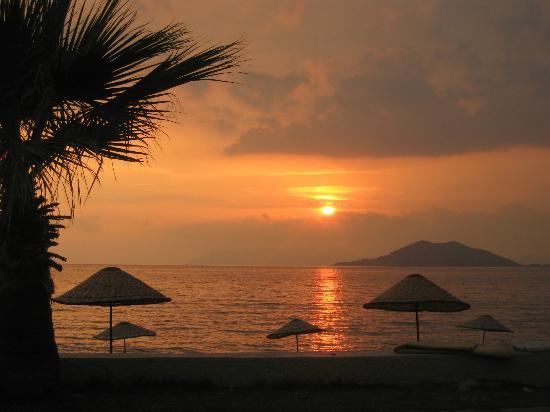 Playa Calis: Sunset Calish Beach