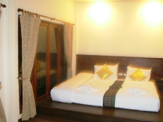 Lanta Klong Nin Beach Resort: lettone
