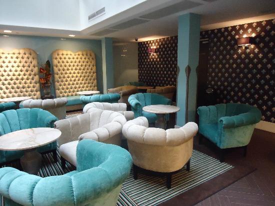 La Prima Fashion Hotel: Loby del Hotel, muy moderno y comodo