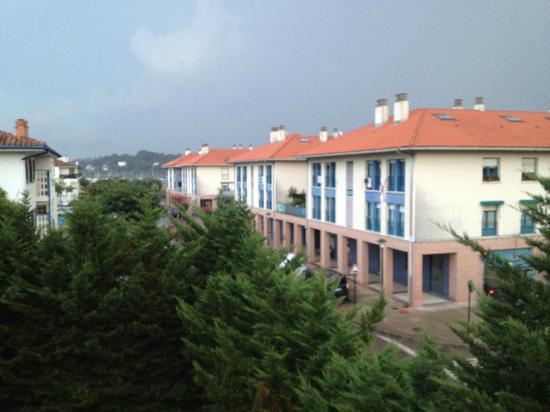 Hotel Rio Bidasoa: 窓から