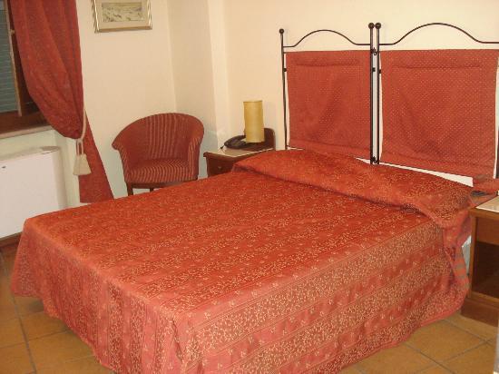 Hotel Italia: La stanza era accogliente e spaziosa :-)