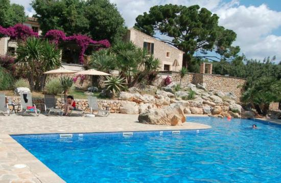 Son Siurana: Pool bougainvillea & large house