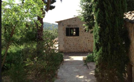 Agroturismo Son Siurana: Larger house above pool