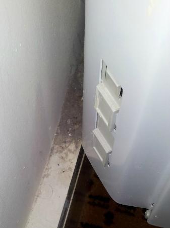 Village Hotel Manchester Bury: Dust behind heater