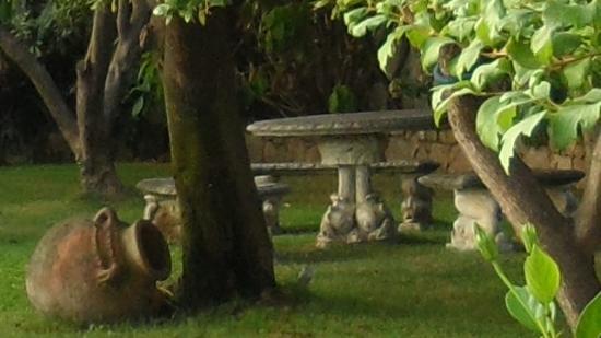 Hotel La Solenzara : un angolo del giardino