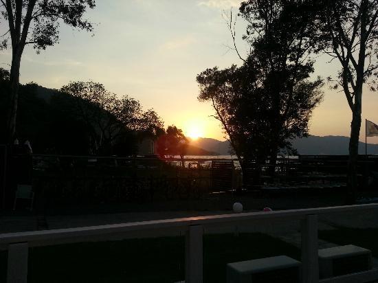 Neilson Adakoy Beachclub: sunset