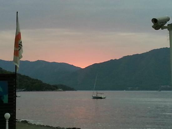 Neilson Adakoy Beachclub: Beautiful sunset.